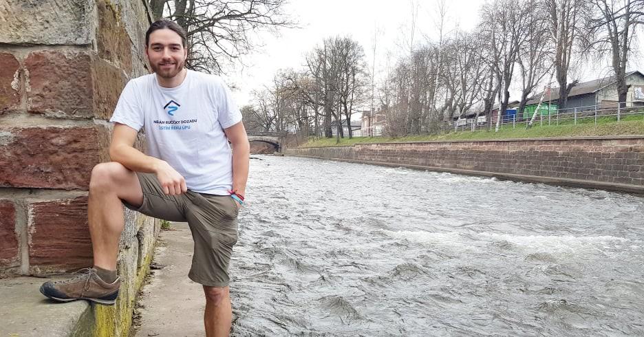 Vizí je uklízet řeku od pramene až po Jaroměř